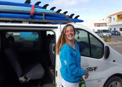 Surfcoach Linda Smile